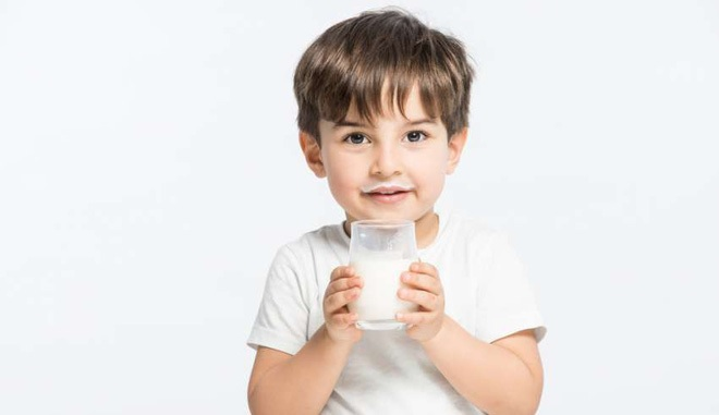 Uống sữa đúng cách: 4 điều nên biết để có được lợi ích lớn hơn