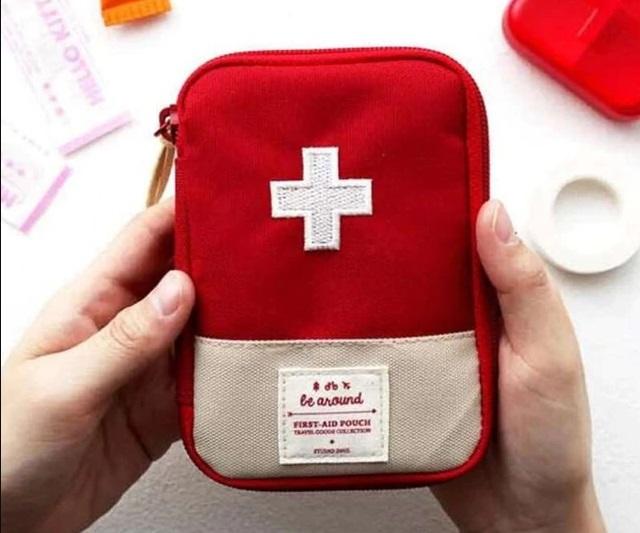 Hộp cứu thương tiện ích khi đi xa