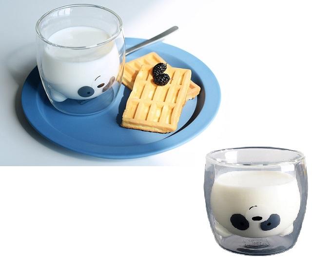 Ly uống sữa độc lạ cho bé