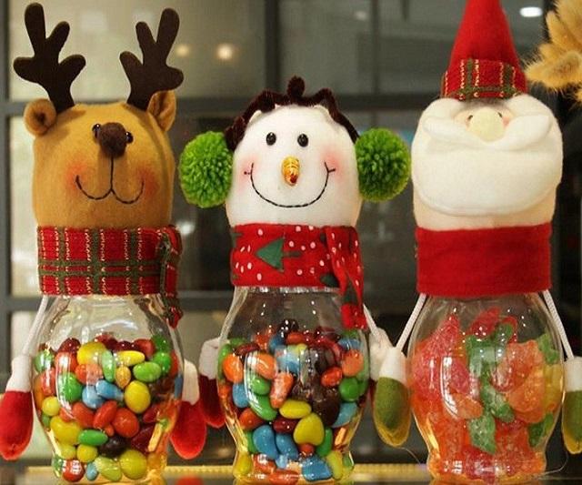 Thích thú với hộp đựng kẹo Noel